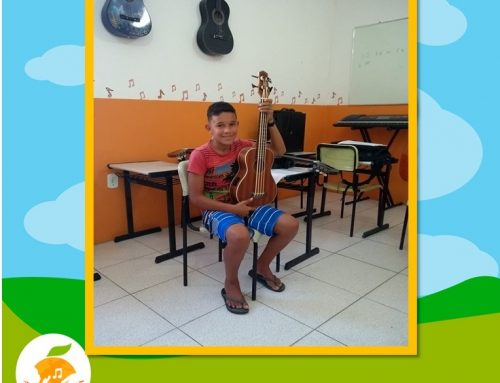Instrumento Novo Ukulele Bass!